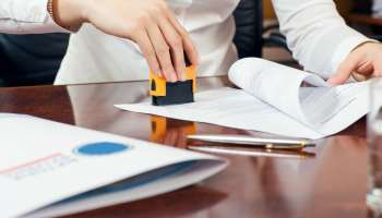 Top 5 Reasons To Use a Notary Signing Company - Mobile
