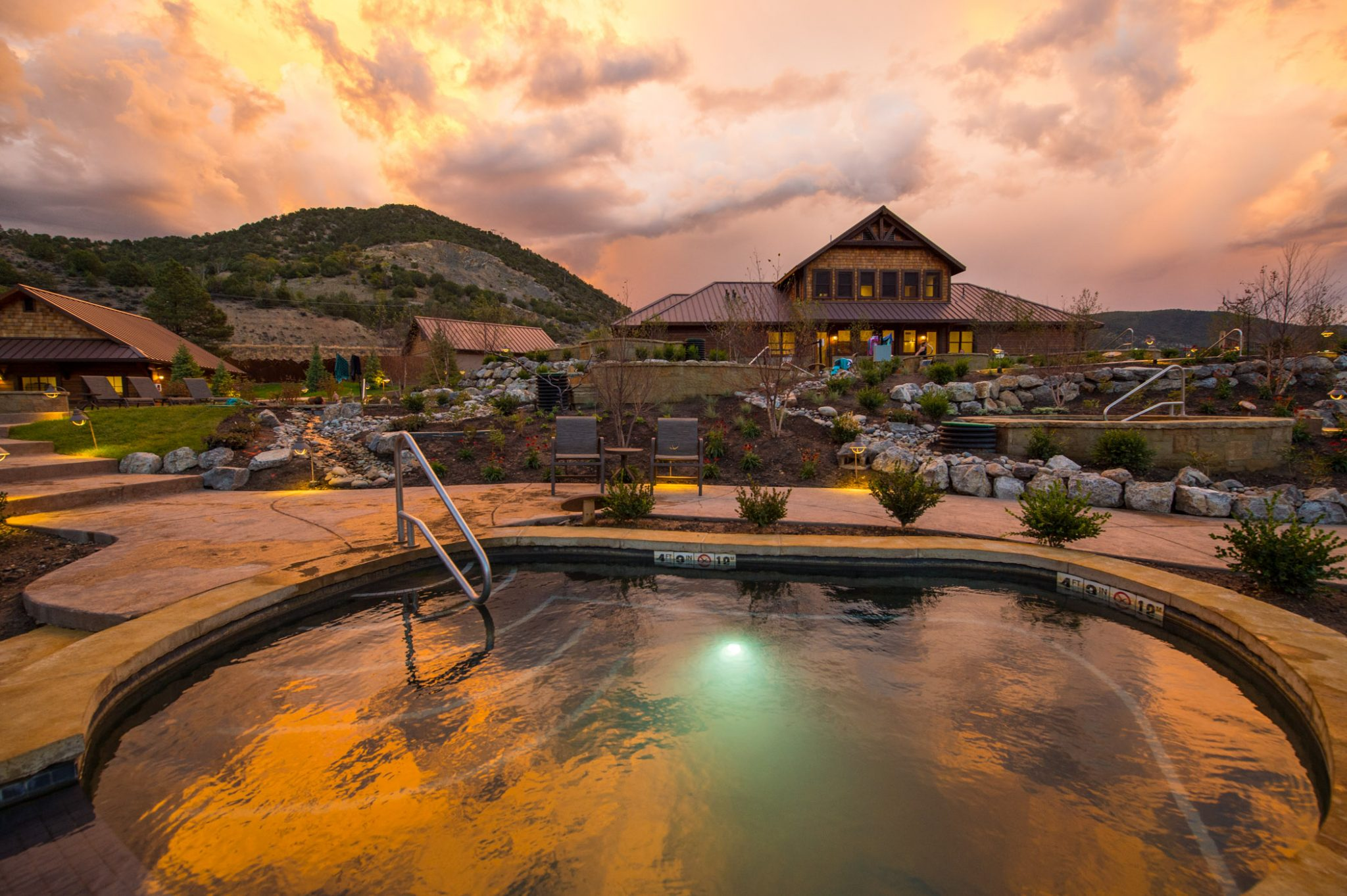 Iron Mountain Hot Springs in the evening