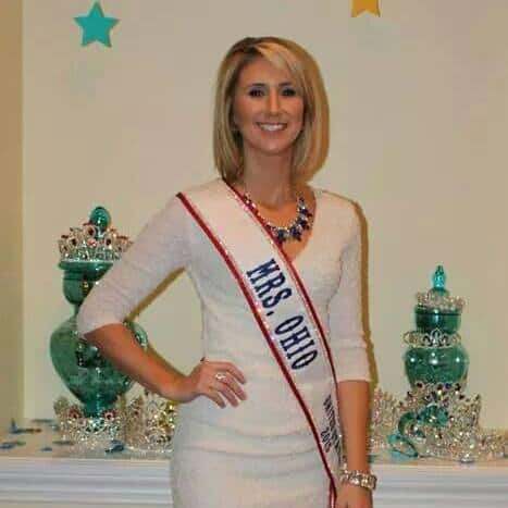 Mrs. Ohio Katie Maskey wearing a SunSpray by Kathryn Tan
