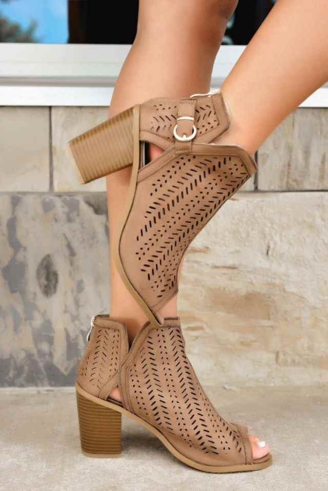 Best shoes to wear after a spray tan