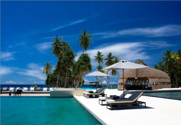 LUXURY HOTELS AND RESORTS IN THE MALDIVES alila pool