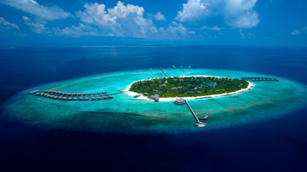 LUXURY HOTELS AND RESORTS IN THE MALDIVES beach house maldives island view
