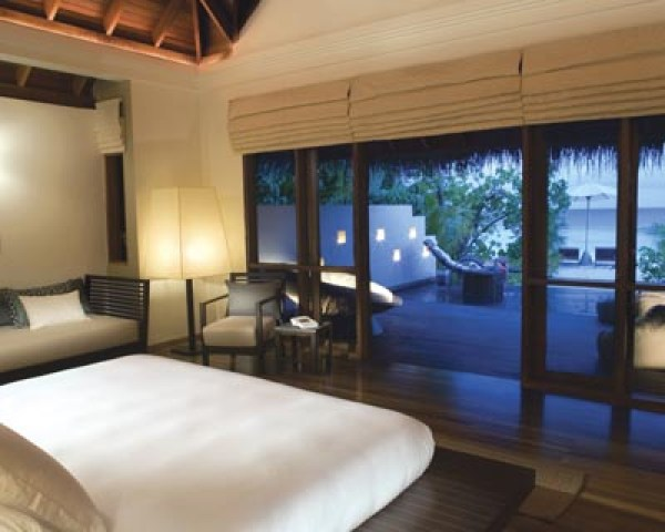 LUXURY HOTELS AND RESORTS IN THE MALDIVES huvafen fushi room