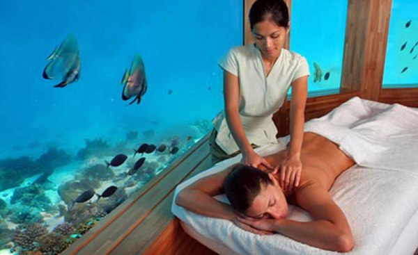 LUXURY HOTELS AND RESORTS IN THE MALDIVES huvafen fushi underwater spa