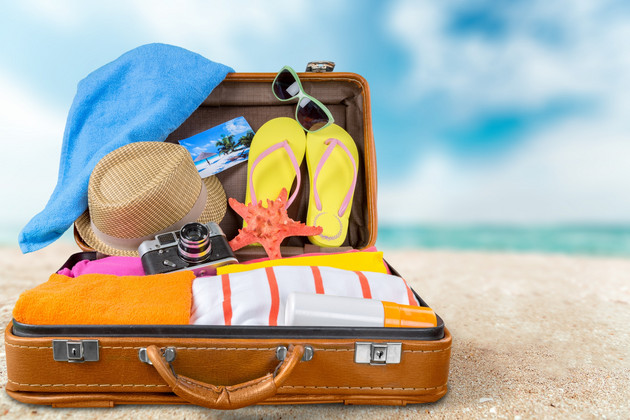 what to wear on a plane for your summer holidays