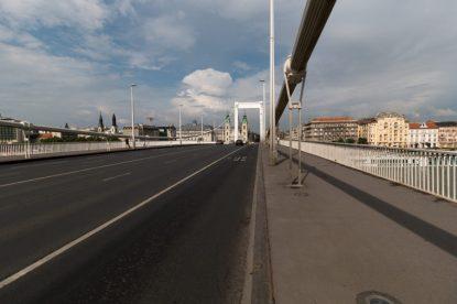 Walking across the Elisabeth bridge