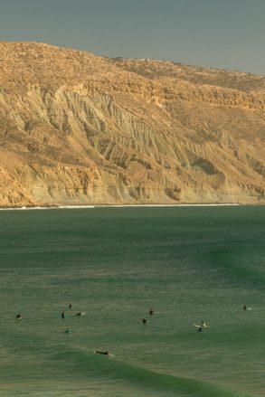 huge high cliffs lining the bay of Imsouane