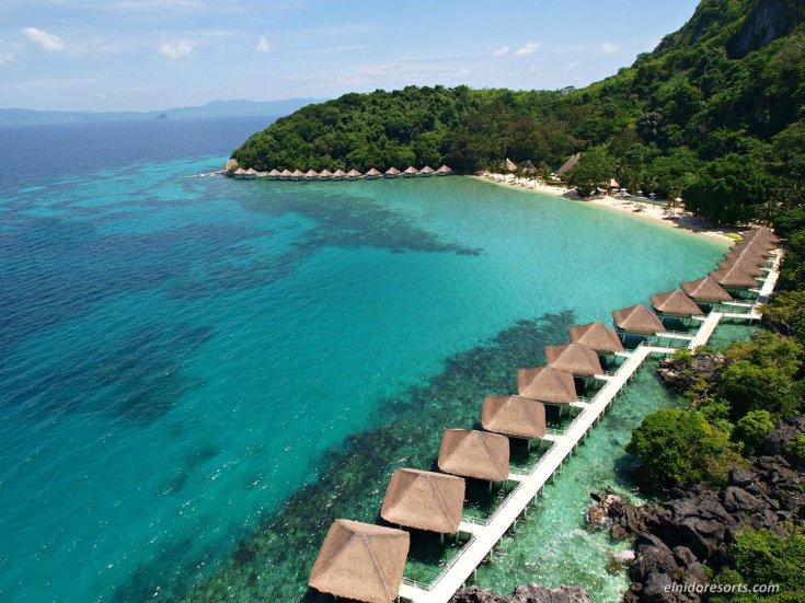 Apulit-Island-Resort是愛妮島度假村的精品版,提供全包式豪華水上屋和獨特的免費度假村活動。
