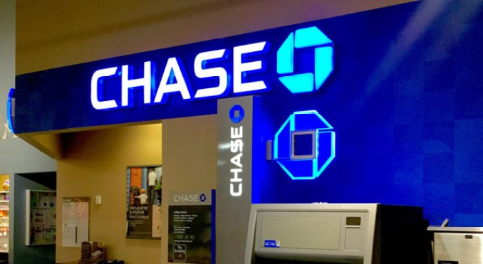 Chase Bank Savings Account Review 2020: Should You Go for It?