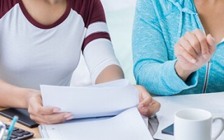 Getting the Best Student Loans Without a Cosigner