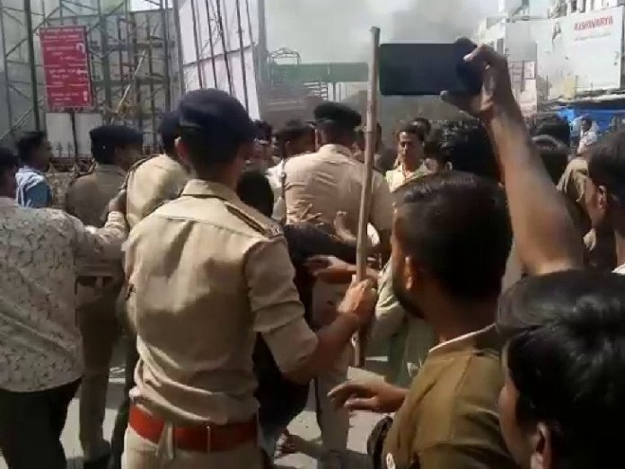 .news/UGUJ-BSK-OMC-LCL-clashes-between-police-merchant-in-ambaji-due-to-plastic-prohibited-gujarati-new