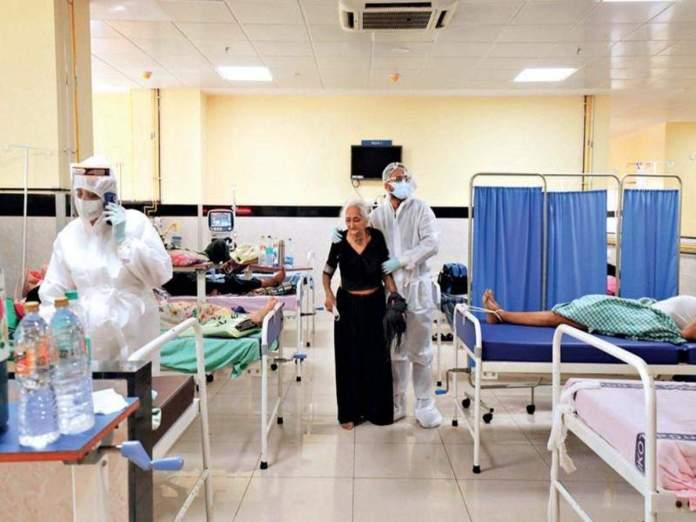 રાજકોટ સહિત સૌરાષ્ટ્રમાં કોરોનાનો કહેર યથાવત છે. છેલ્લાં 24 કલાકમાં રાજકોટ સિવિલ હોસ્પિટલમાં 66 દર્દીઓના મોત નિપજ્યા છે. જોકે, આ મોત અંગે આખરી નિર્ણય ડેથ ઓડિટ કમિટી લેશે