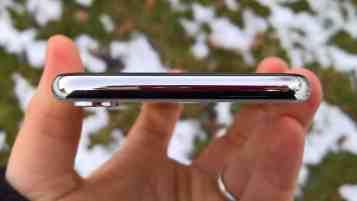 iPhone X yläosa