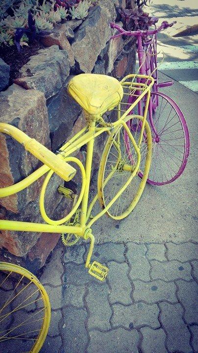 värikkäät pyörät