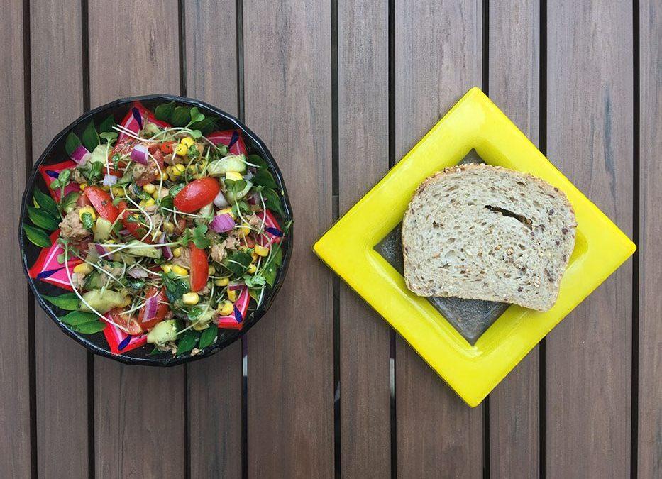 Salade de thon, maïs & pousses de brocoli