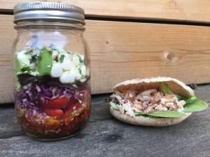 Salade et sa pita poulet de super boîte à lunch