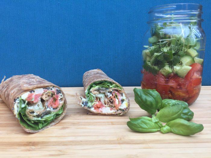 Tortillas au saumon, épinards, pousses & sa petite salade au basilic