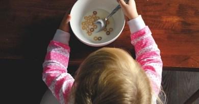 SZO upozorava: Hrana za bebe prepuna šećera, zabraniti reklamiranje adaptiranog mleka