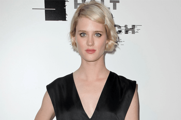 Is Mackenzie Davis in a dating affair with boyfriend or just a crush?