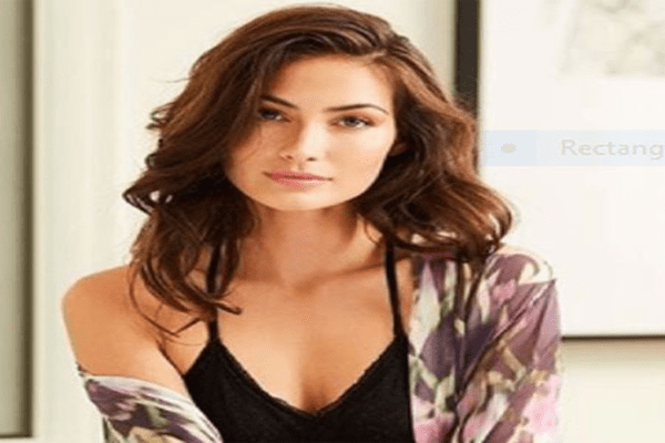 Net Worth of Caitlin McHugh Buick Commercial Girl 2018 | RR Car & Wife of Fuller House Star