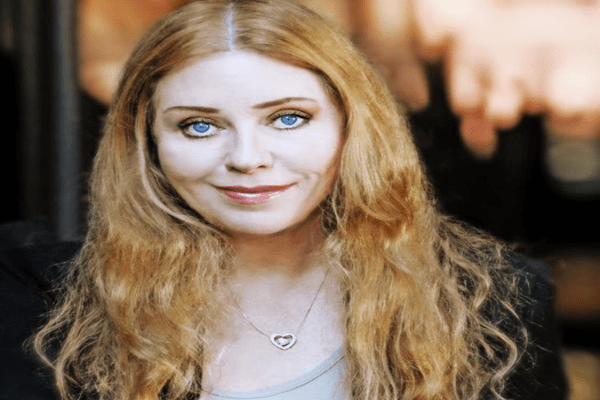 Bebe Buell Net Worth, Bio, Husband, Steven Tyler, Daughter Liv Tyler, and Photos