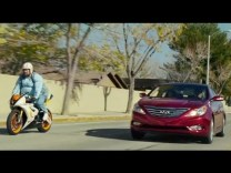 "[VIDEO] 2013 Hyundai Sonata Turbo Super Bowl XLVII ""Stuck"""