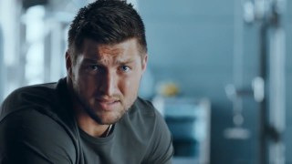 T-Mobile_Tim_Tebow_No_Contract_2014