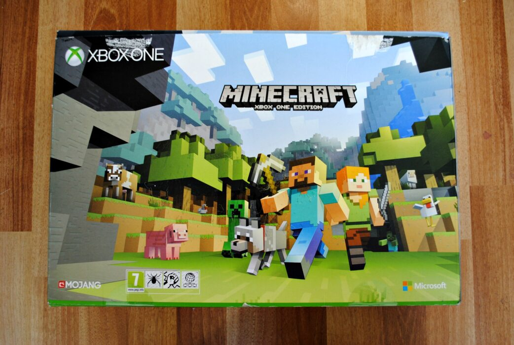 First Impressions Of The Xbox One Minecraft Bundle Super Busy Mum