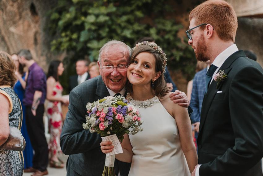 novia y tio foto divertida