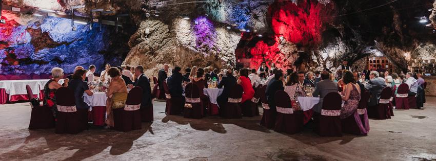 invitados en boda cueva el majuelo