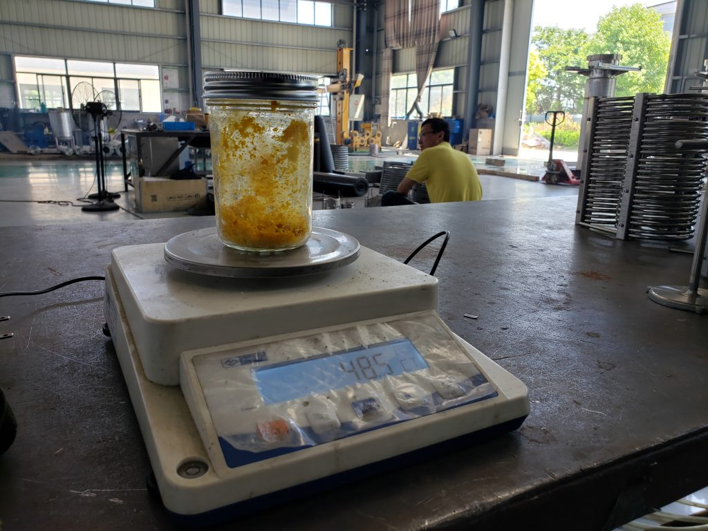 Supercritical co2 extraction of rose oil