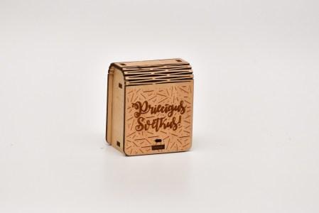 Mini kastīte (priecīgus svētkus)