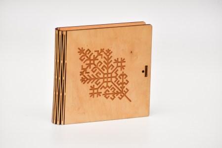 Krūžu paliktņu 4 kastīte (austras koks)