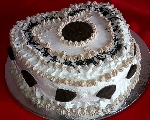 Eggless Chocolate cake with Frosting