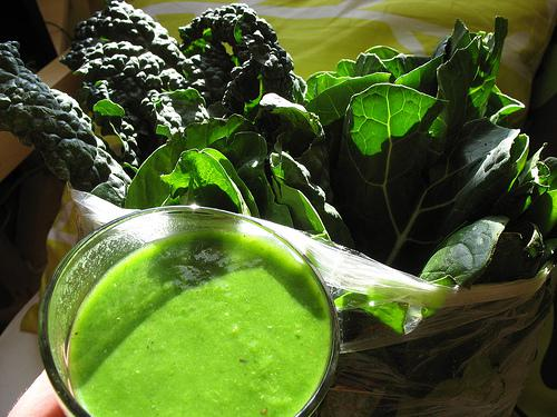HUGELY GREEN SMOOTHIE