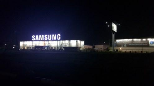 Ночной кадр 3. Завод Samsung