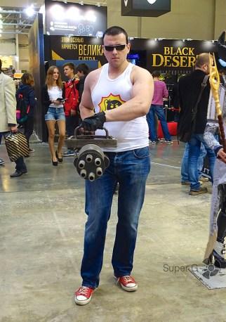 Серьезный Сэм на Comic Con