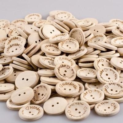 Guziki drewniane