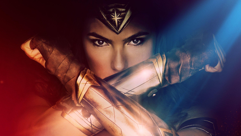 Gal-Gadot-Wonder-Woman-Poster-02-F