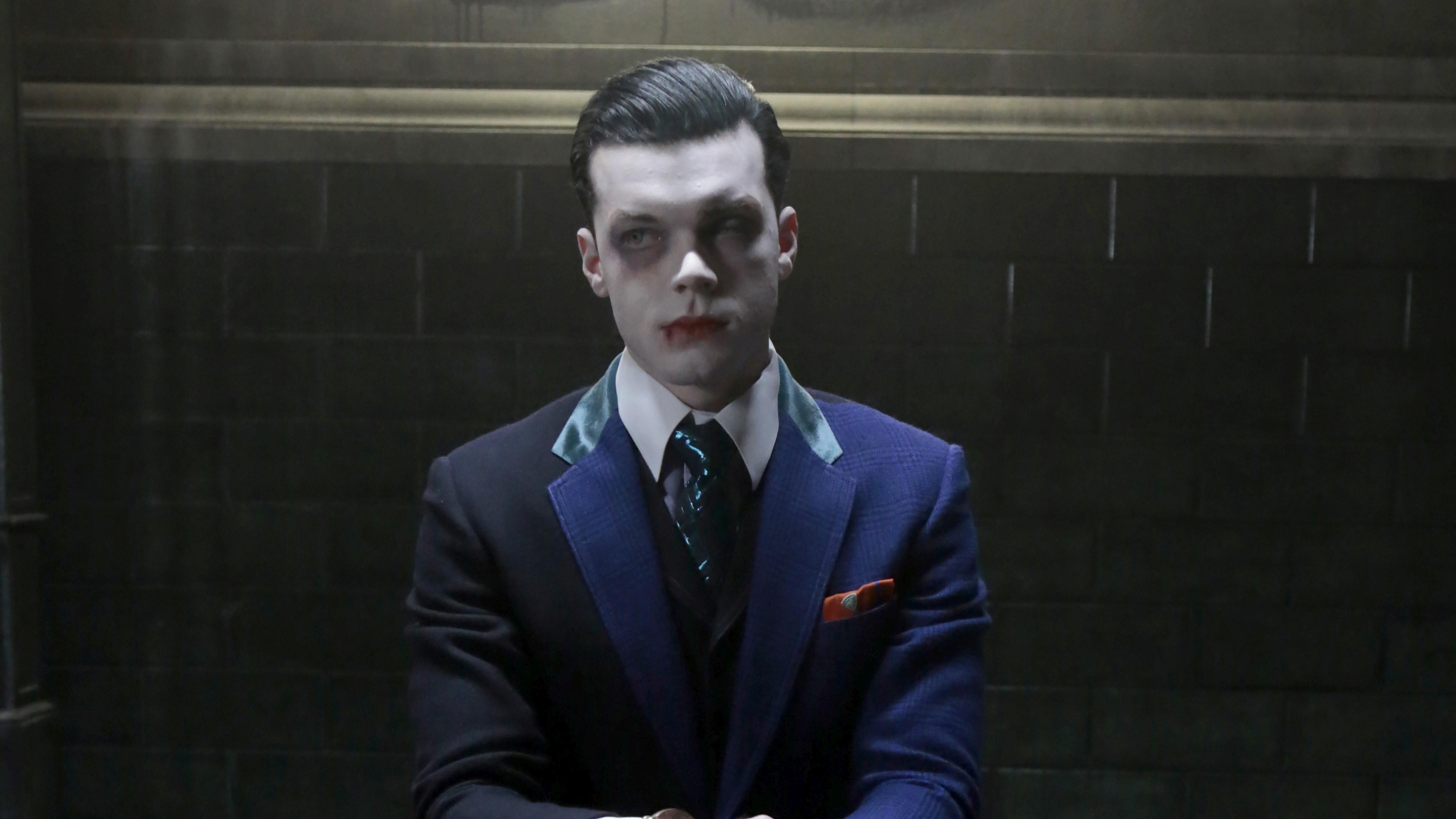 Gotham-422_SCN2_GR0077_f_hires2-F