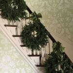 31 Amazingly Festive Christmas Stairs Decoration Ideas