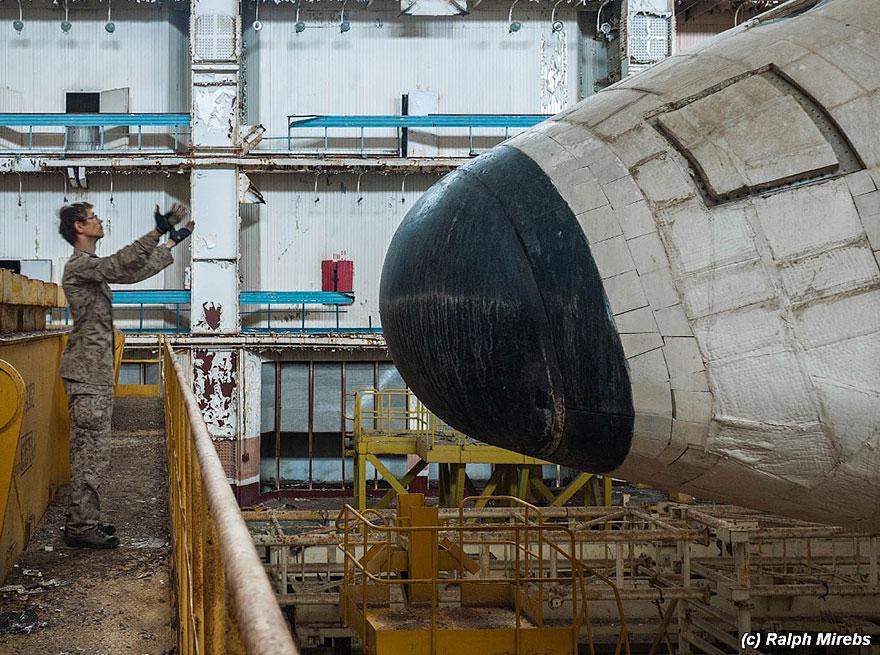 abandoned-soviet-space-shuttle-hangar-buran-baikonur-cosmodrome-kazakhstan-ralph-mirebs-9