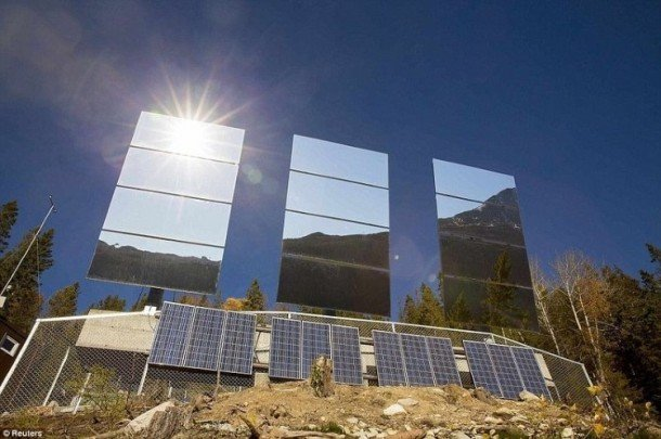 Rjukan-Makes-Use-Of-Mirrors-For-Sunlight-6-610x405