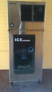 Ice cube Dispenser