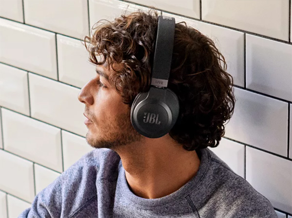 JBL Live 660NC Wireless Noise Cancelling Headphones Blue