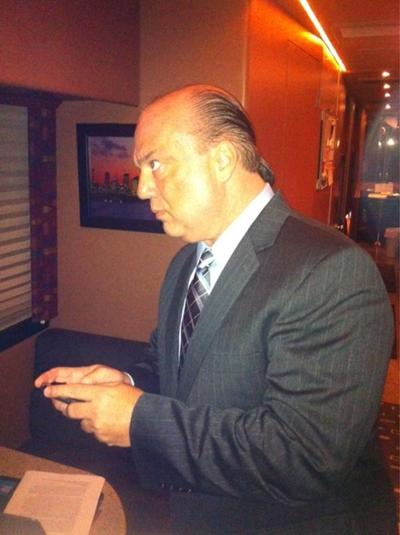 Paul Heyman antes de aparecer en vivo en WWE RAW SuperShow / Twitter.com/CMPunk