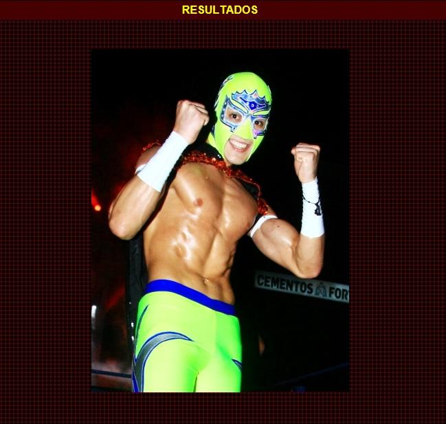 "Soberano Jr. gana el Torneo ""Sangre Nueva 2013"" / 12 de marzo de 2013 - Arena México / Captura de pantalla por Dement X-treMEX 187 - www.cmll.com"