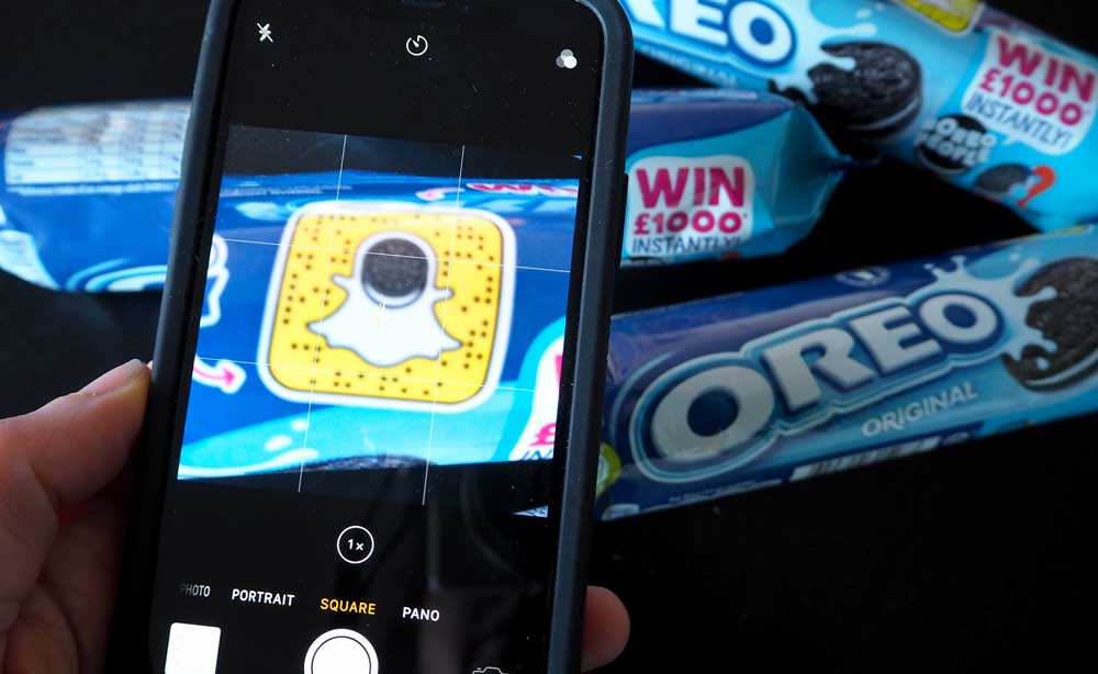 Play the Oreo People game on Snapchat for the chance to win £1000 instantly!