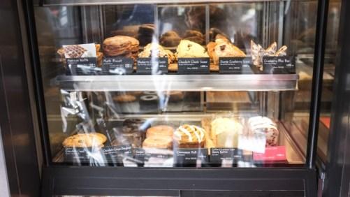 Tokyo2015-Starbucks_Pasteries