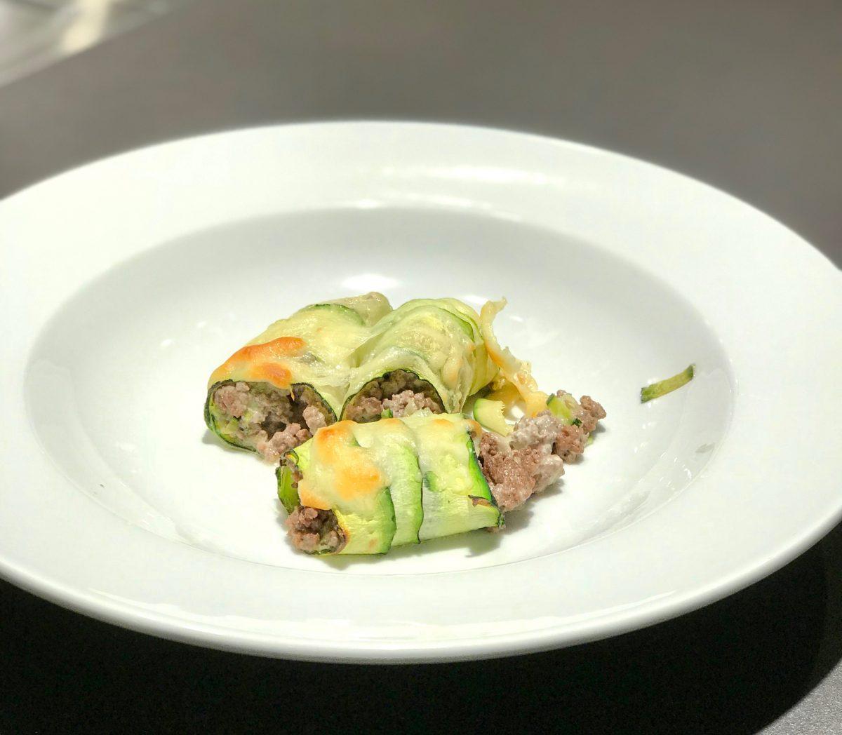 Zucchini-Cannelloni: angerichtet